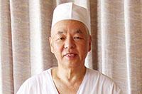 「デザートも 私の手作りです!」支配人 中澤勝憲さん