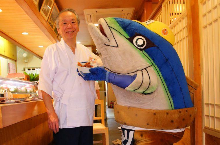 ご主人の鶴間さんおお魚トークも楽しいっちゃ!
