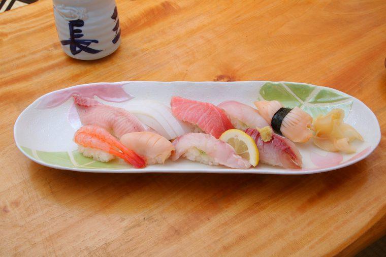 旬の佐渡のお魚が楽しめる『佐渡の鮨 おまかせ』(2,800円)