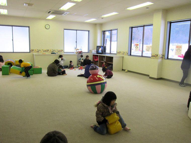 子ども連れでも安心な、 無料託児スペースの「チャイルド広場(土・日曜、祝日のみ)」を開放。時間は9時から16 時まで。対象は0~6歳、2歳未満は保護者の付き添いが必要。