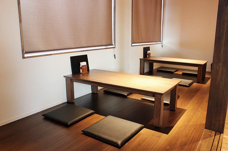 個室にレイアトできる小上がり席を用意