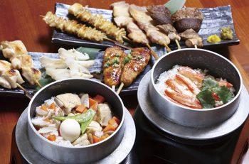 特製の竈で炊いた加茂有機米の釜飯と串焼きは必食!