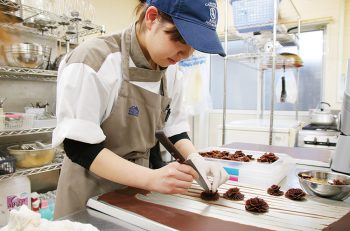 チョコ愛あふれるオーナー渾身のショコラを求めて新発田へ!