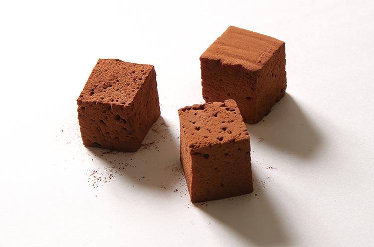 ギモーブショコラ(8個入り 480円)。モチモチのチョコ味のマシュマロ