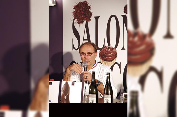 チョコの祭典「サロン・デュ・ショコラ・パリ」でジャン・ポール・エヴァン氏が「チョコに合う日本酒」として『カワセミ の旅』を絶賛