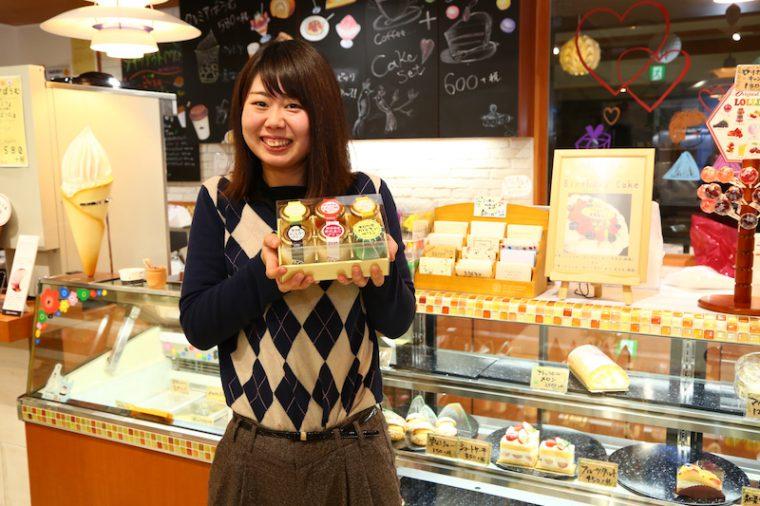 『新潟プリン』は、パッケージと味をリニューアル! 新潟県産赤たまごや越後姫、魚沼産コシヒカリなどの地場産食材を使った6種類を用意しています