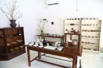 上古町にある小さな器専門店