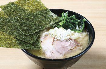 コシヒカリ米粉麺を使った 特製家系ラーメンがウリ