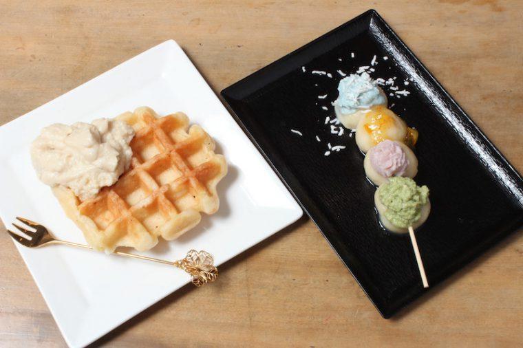 左『Tofful』、右『恋ダンゴ』。どちらも350円、テイクアウトもできます