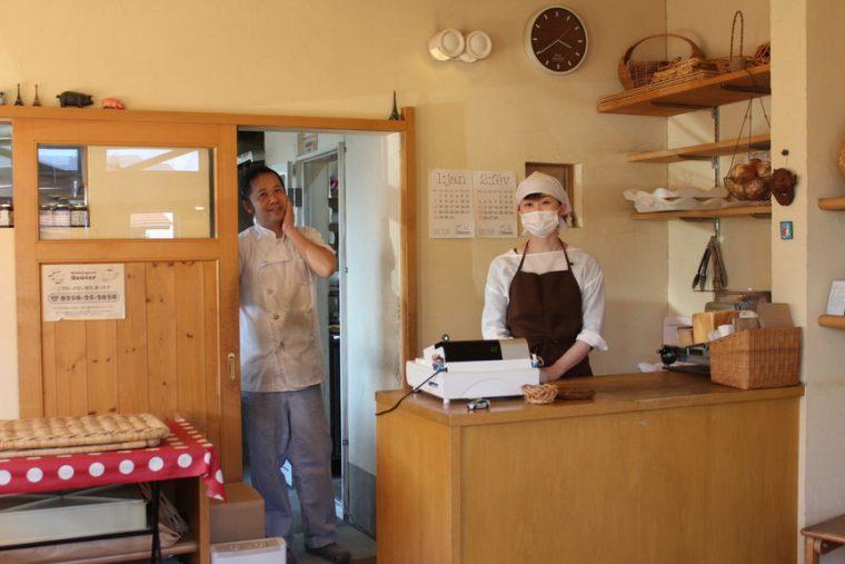 豊さんはずいぶんいろいろと変化されましたが(笑)、かおるさんのかわいらしさはお店がオープンした当時と全然変わりません。すごい