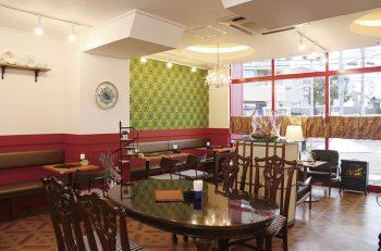 フランスのカフェをイメージした大人な雰囲気。人気のカフェ青山がDeKKY401に登場。