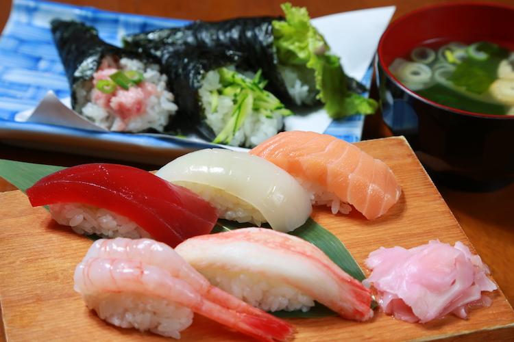 「寿司ランチ」(1,080円)シャリも大きめで大満足!