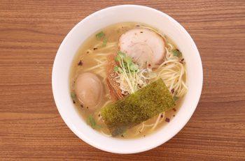 さらに進化を続ける渾身の自家製麺と芳醇スープ。昨年末のオープン以来、早くも話題