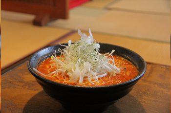 伝統の食文化に、遊び心をプラスした創作料理店! トマトラーメン『伊多利庵軒』は要チェキ!