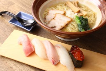 ラーメンのサイドメニューに寿司や海鮮丼もあり。相性もばっちり