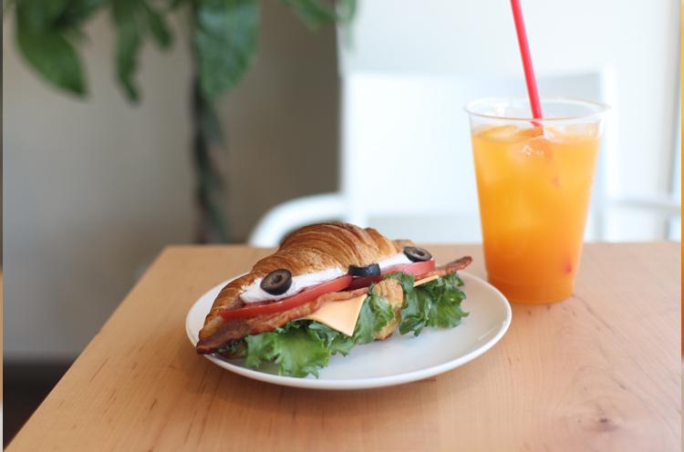 クロワッサンのサンドイッチがおいしい!