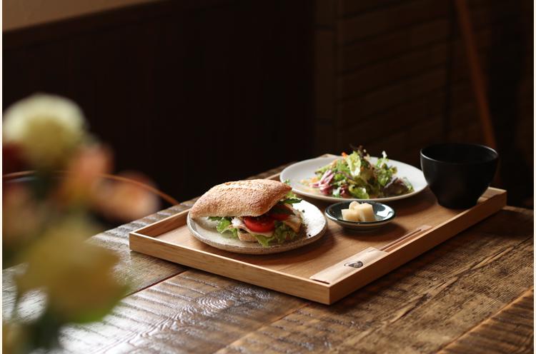『自家製ベーコンとフルーツトマトとゴーダチーズのサンドイッチ』(単品650円)