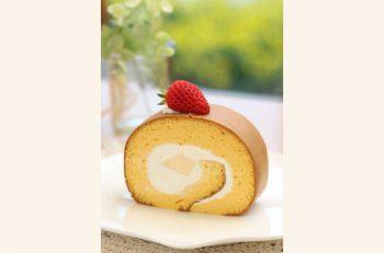大人気の「太陽プリン」を用いた期間限定ロールケーキ
