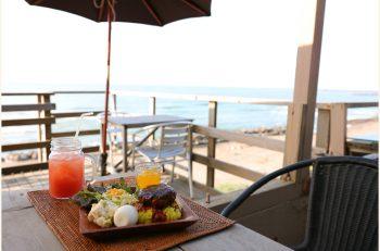 直江津の青い海が目の前に広がる絶好のロケーションのカフェ