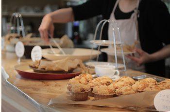 焼菓子が評判の佐渡・両津のカフェではモーニングも楽しめちゃう!