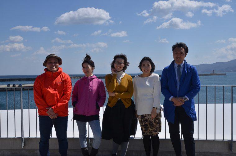 paletteのメンバーの皆さん。左から兵庫 勝さん(レッド)、斎藤千里さん(ピンク)、熊野礼美さん(イエロー)、本田虹子さん(ホワイト)、伊豆野裕一さん(ブルー)