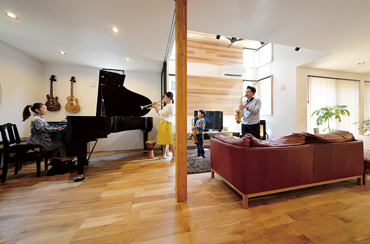 家族で演奏を楽しむため音楽室は、オープンにもなる