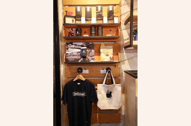オリジナルのアパレル商品やお店で扱っているALLPRESS ESPRESSOのコーヒー豆を販売