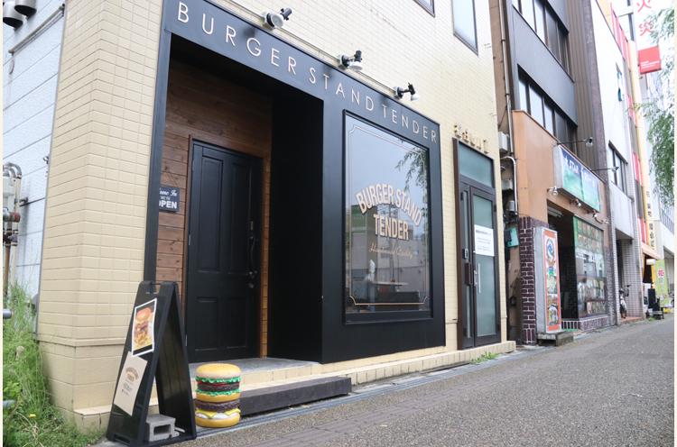 新潟市役所近く。東中通にお店はあります