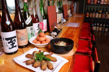 新潟県産地鶏をはじめ、地酒や鮮魚も充実