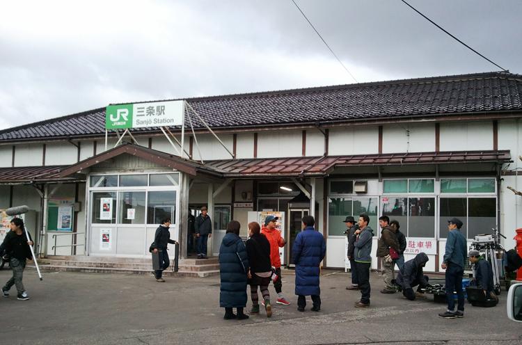 JR三条駅前でのロケシーン