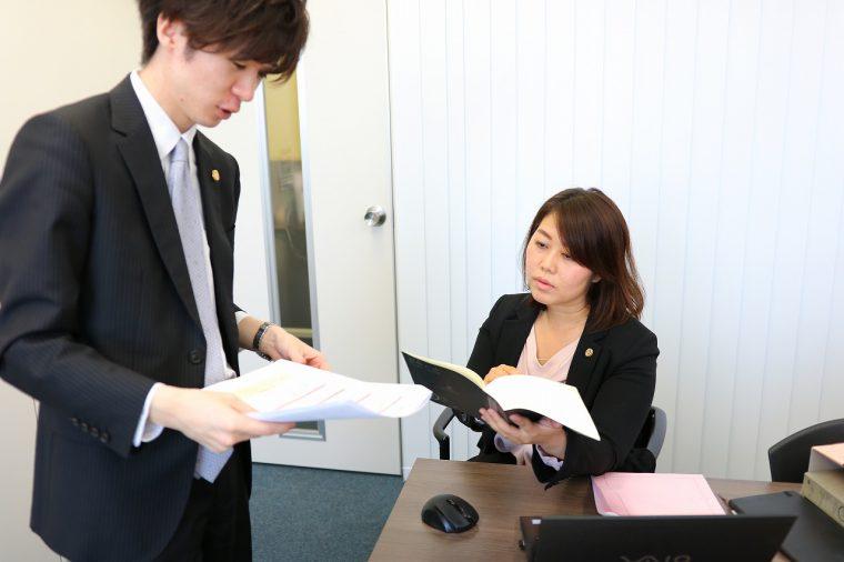依頼者の力となるべく所属弁護士間で情報の共有を行い、日々鍛錬を重ねている