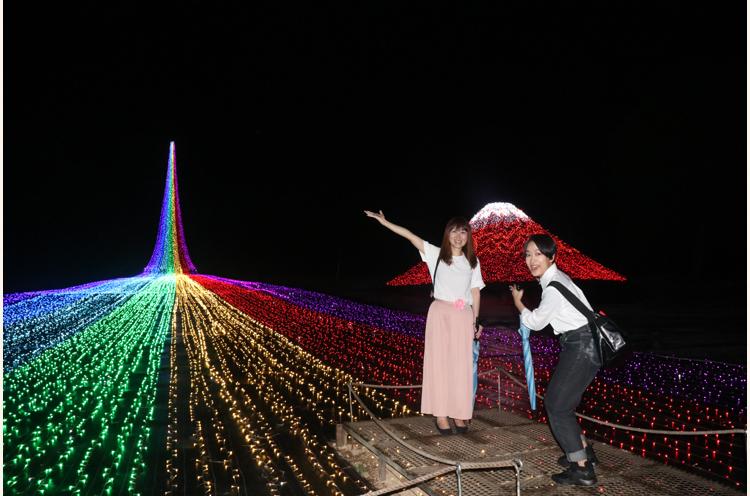 七色のカーペット! 富士山赤い!! もちろんインスタにあげました