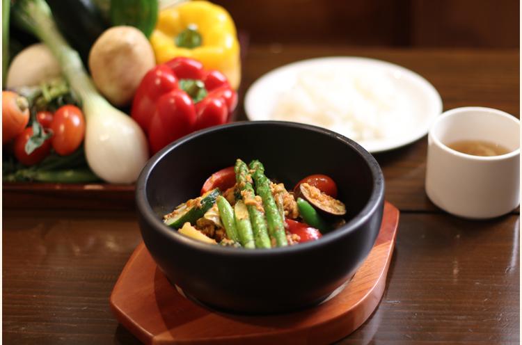 『野菜ふっとつカレー』(単品890円~)