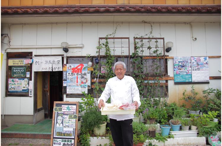 店主の岡田文雄さん