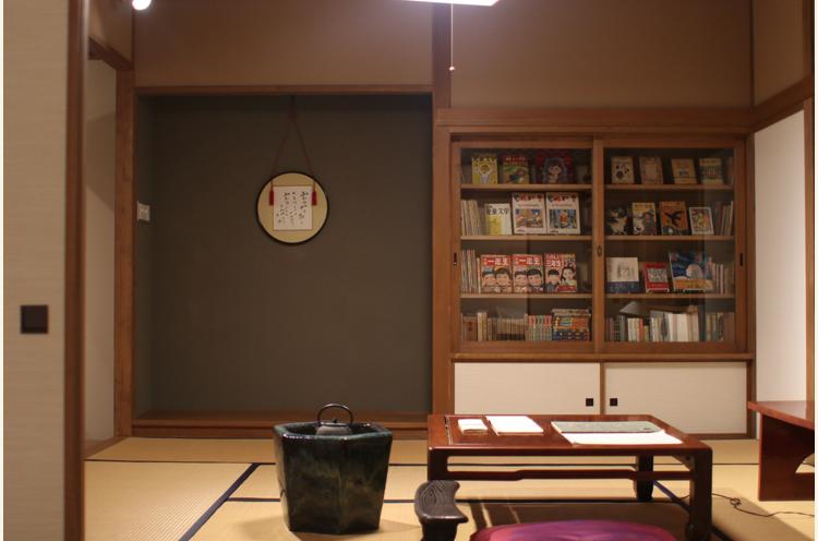 「日本のアンデルセン」として、『赤いろうそくと人魚』など数々の童話を生み出した上越市出身の小説・童話作家、小川未明の作品や資料を展示