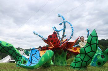 十日町市関口市長がご案内。『大地の芸術祭』いっすねー!