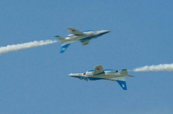 海の日は新潟市上空を見上げよう! ブルーインパルスの華麗な航空ショー!