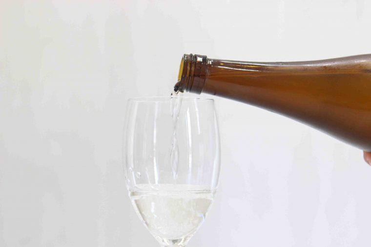 ワイングラスにトクトクトク...