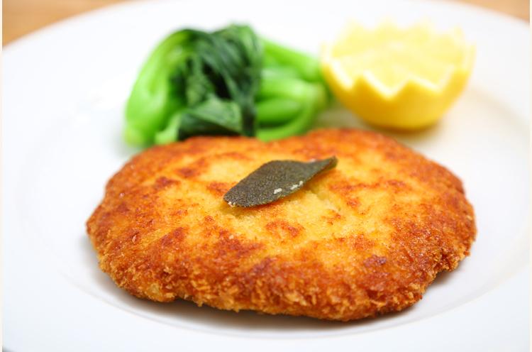 たとえば『カツレツ』。確かに華やかではないかも。。。。「いまどきカツレツ出しているイタリア料理屋さん、あまりないかもしれませんね(笑)」と熊倉さん