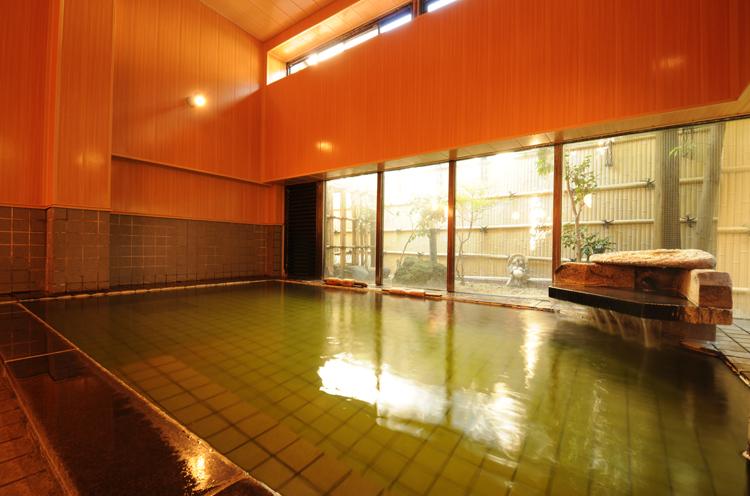 月岡 温泉・源泉100%のお風呂
