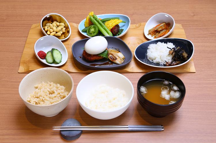季節で内容が変わる セットメニュー「kome de niigata」。生産者の想いが体感でき、お米の魅力を存分に楽しめる