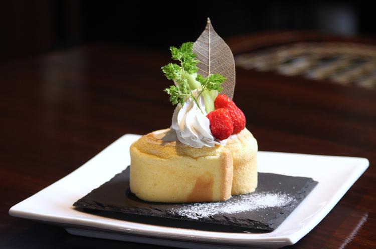 『ダオみるくロールケーキ』(432 円)