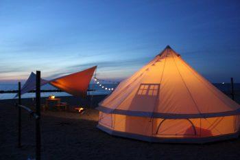 新潟市の砂浜で最高の思い出を! 新潟初のビーチグランピングが誕生