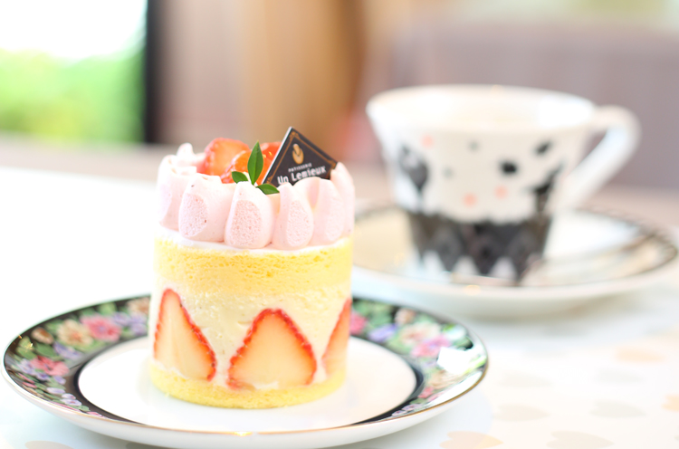 本日のおすすめケーキとコーヒーの「ケーキセット」