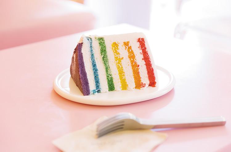 「DORE DORE」で提供している『レインボーケーキ』