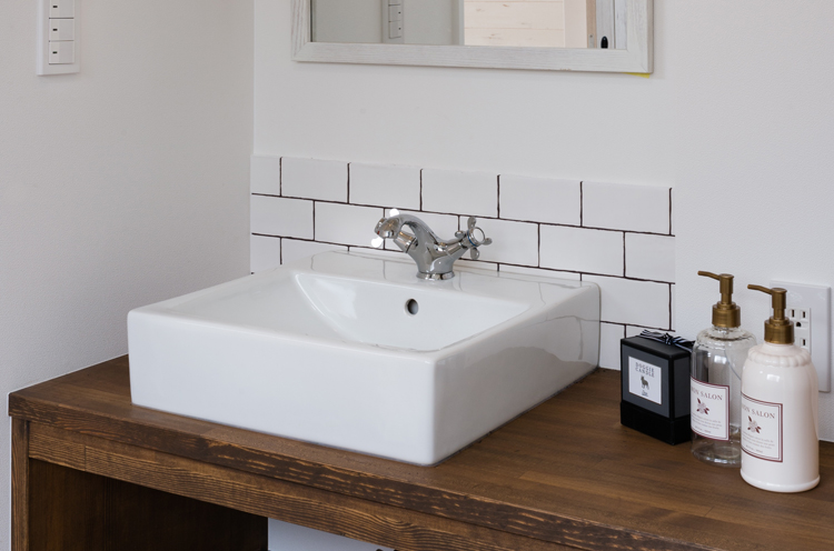 大工さん手づくりの洗面スペース