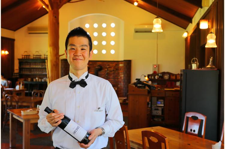 「料理に合うワインのご提 案もさせていただきます」とス タッフの石田さん