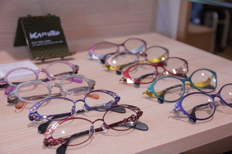 カッコいいメガネがたくさんありますな、、、