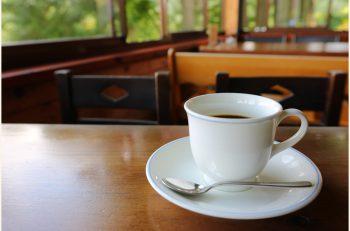 看板のダッチコーヒーと赤谷の景色を楽しんで|新発田市