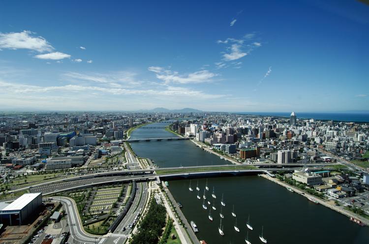 新潟市の街並み